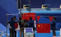 亚运颁奖仪式国旗突然掉下 孙杨提出抗议