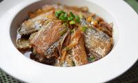 好吃的萝卜丝烧带鱼,这样煮补气提鲜,浓油赤酱上海本帮菜