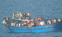 摩洛哥海军在地中海救起247名偷渡者
