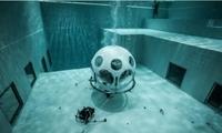 世界上6个奇特的游泳池 竟在水底吃饭