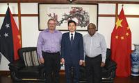 驻巴布亚新几内亚大使薛冰会见巴新时代资源公司负责人