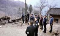 男子持菜刀连抢2人后逃进山 150余名警察进山搜捕