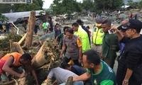 印尼东部遭遇洪灾 死亡人数上升至63人