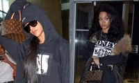 爆款包袋那么多,Rihanna为何独宠化妆包?