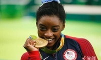 老司机奥运速成手册丨为啥冠军都喜欢咬金牌?