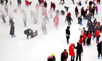 重庆滑雪场奇招频出 奥陶纪景区以不受天气影响的滑雪场吸引游客