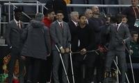 穆帅在曼联这一年太难了!他终于熬过最苦赛季