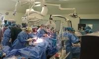 重庆:孕妇上班途中突发脑出血 医生奋战3小时挽回两生命