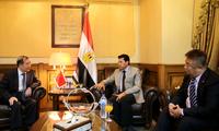 驻埃及大使宋爱国会见埃及青年和体育部部长艾什拉夫•苏布希