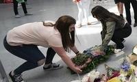 英国曼城恐袭三周年:悼念