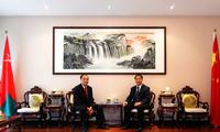 驻阿曼大使于福龙会见国际电信联盟秘书长赵厚麟