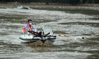 河南淇县:清理水域 消杀防疫